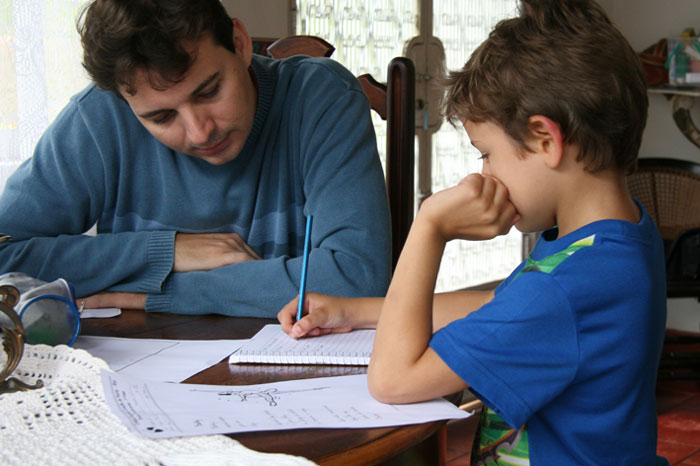 Pais estão descontentes com educação dos  Filhos segundo pesquisa